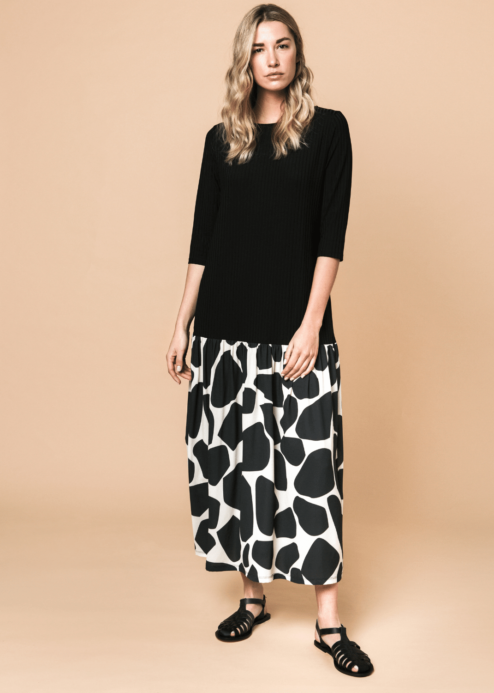 vestido-largo-amplio-jirafa-negro-parole-italy-lopezientos