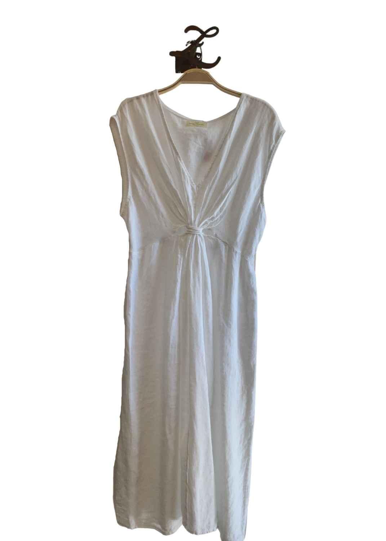 vestido-midi-blanco-frunce-abertura-lino-lopezientos