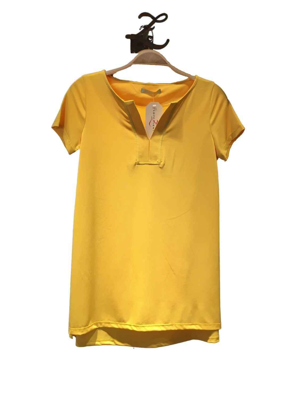 camiseta-mujer-parole-italy-manga-corta-cuello-pico-amarillo-lopezientos