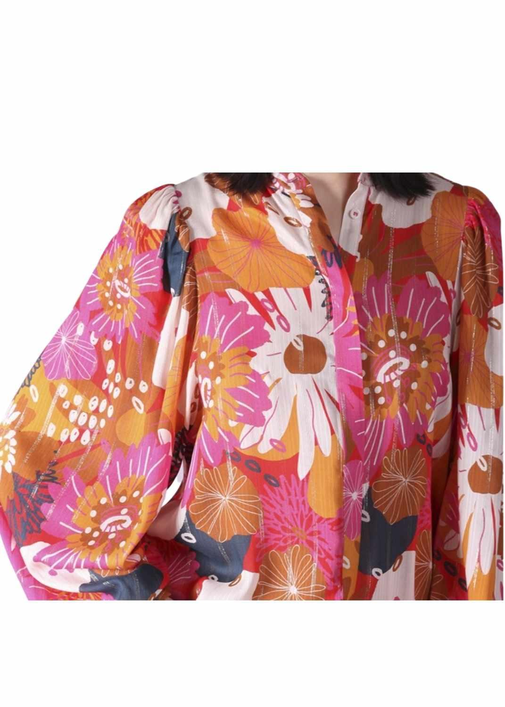 camisa-mujer-vilagallo-otono-invierno-2021-edina-gavitella-flores-estampada-lopezientos