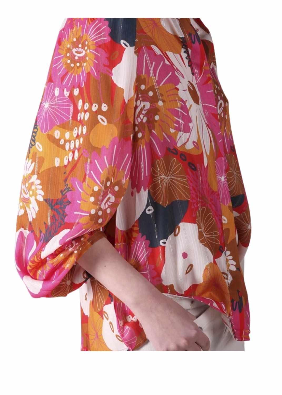 camisa-mujer-vilagallo-otono-invierno-2021-edina-gavitella-rosa-estampada-lopezientos